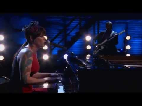 Beth Hart - Bang Bang Boom Boom (Music and Bands @ TeamCoco.com - April 16, 2013)