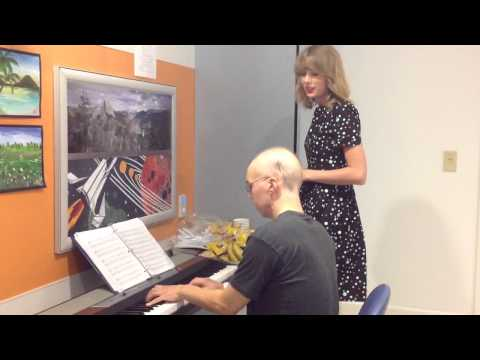 "Taylor Swift sings Adele's ""Someone Like You"" with leukemia patient, Taylor Swift stops by the hospital to visit a Leukemia patient."