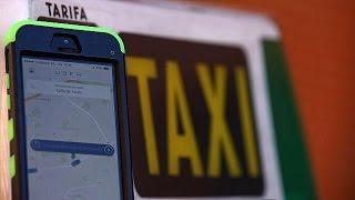 سائقو سيارات الأجرة في مدريد وبرشلونة يتظاهرون ضد أوبر وكابيفي |