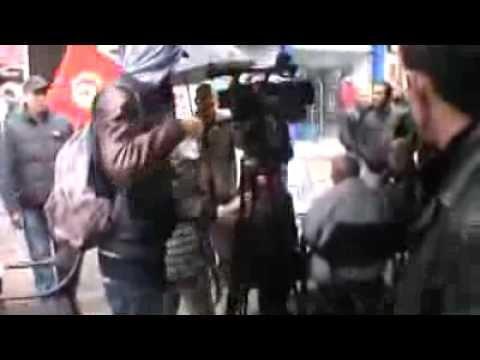 image vidéo طرد قناة النيل الإنقلابية من شارع الحبيب بورڨيبة بتونس العاصمة