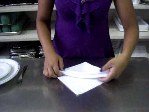 Como dobrar guardanapos de pano