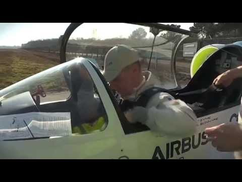 EADS E-Fan - electric aircraft maiden flight