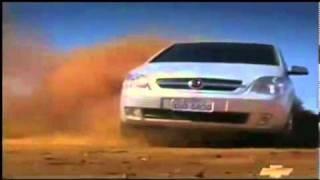 """Linha Chevrolet 2005: Comercial """"Poeira"""" (Astra Vectra"""
