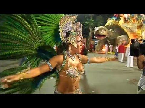 Carnaval de Rio: certaines troupes bannissent les danseuses siliconées - 28/02