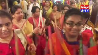 ఘనంగా కనకదుర్గమ్మ శోభయాత్ర గ్రామోత్సవం.. చూసి తరించండి (వీడియో)