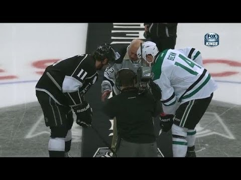 Tommy Lasorda ignores Jamie Benn on puck drop