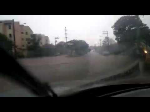 Vídeo Temporal provoca inundações em diversos pontos de São Carlos
