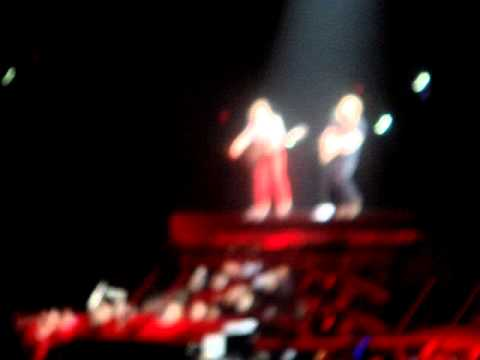 Taylor Swift &amp; Ed Sheeran - Omaha - Everything Has Changed