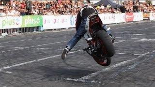 Video Nhà vô địch cuộc thi Biểu diễn moto lần thứ 13 - Quá ảo so với quy định