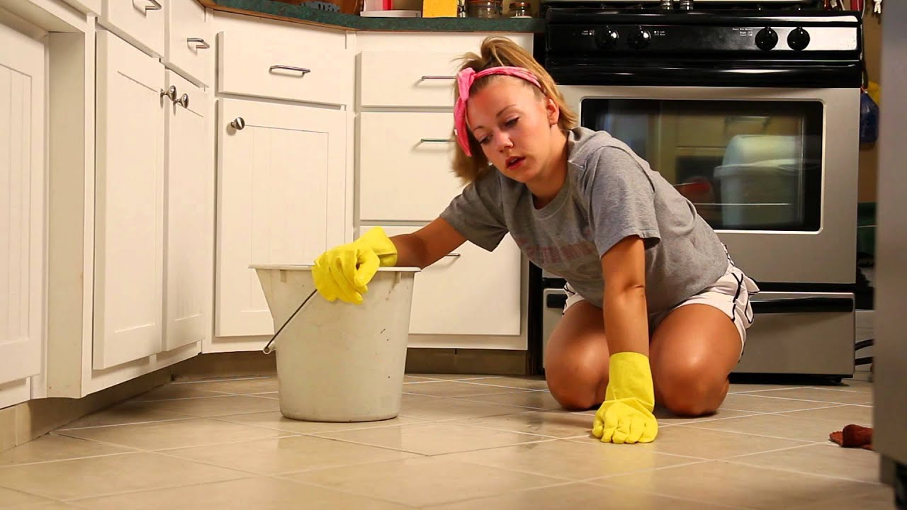 Sexy Cleaning 58