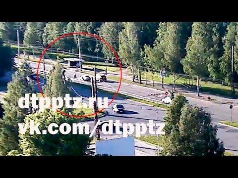 На набережной Варкауса сбили подростка на самокате