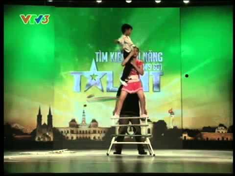 Tiết mục Xiếc hấp dẫn Vietnam Got Talent tối 20.01.2013 khiến Thúy Hạnh bật khóc