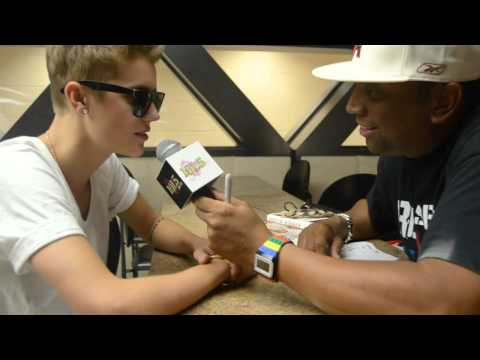 Backstage with Justin Bieber on 'Believe' Tour - Video Interview with Super Snake 101.5FM