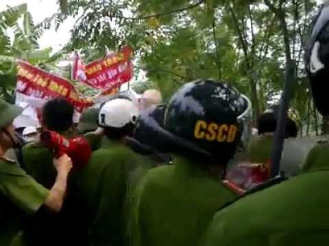 Cưỡng Chế đất - Lực lượng cảnh sát cơ động đổ bộ vào khu đất trịnh nguyễn chiều ngày 18-6-2013