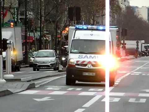Paris Ambulance SAMU in Montparnasse WIG WAG LIghts