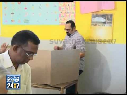 Rajeev Chandrasekhar cast his vote with family - ನ್ಯೂಸ್ ಹೆಡ್ಲೈನ್ಸ್ News bulletin 17 Apr 14