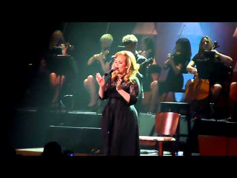 Adele - Set Fire To The Rain (На живо от The Royal Albert Hall)