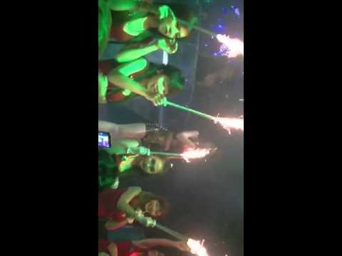 Diamond tan phu -live show khởi my