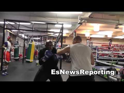 TMT Boxing Star Lanell Bellows does 21 min of mitts last min of workout EsNews Boxing