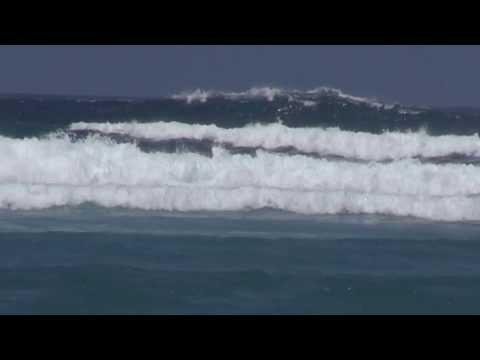 スンバ島の知られざるサーフィンスポット Kerewei Beach, Sumba Island