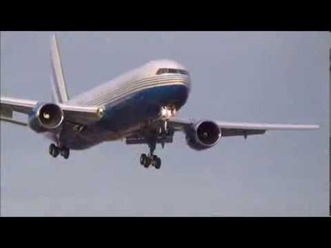 Private Las Vegas Sands 767-300 Landing at Newark Liberty International