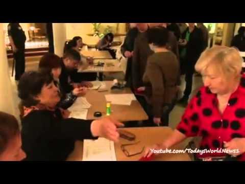 Ukraine conflict: Donetsk and Luhansk vote in 'self rule' referendum