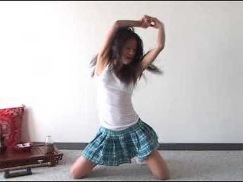 Hot asian girls dancing