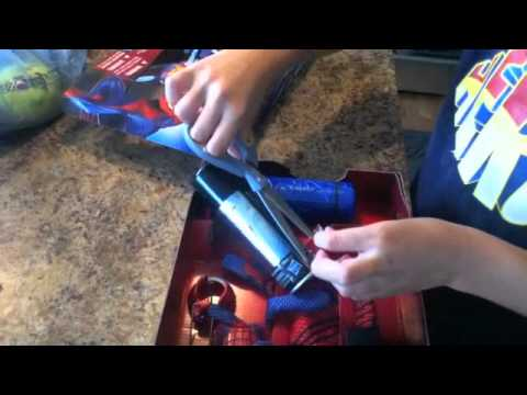 the amazing spiderman mega blaster web shooter toy reveiw-MegaJonnyboy10