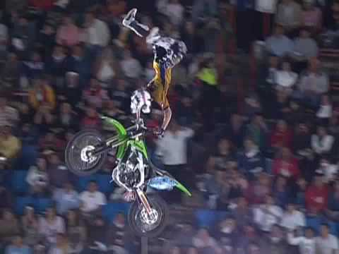 Red Bull X-Fighters 2009 Mexico Semi Final 2 - Levi Sherwood vs Mat Rebeaud