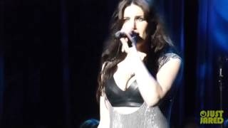"Idina Menzel ""Let It Go"" From 'Frozen' At Radio City"