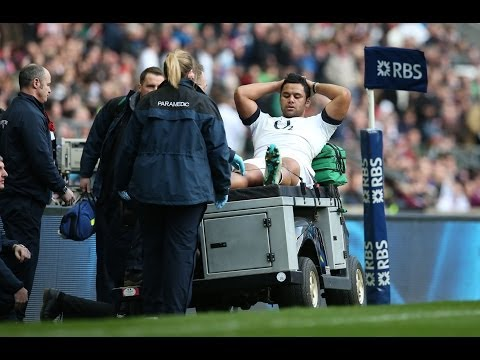 Billy Vunipola forced to leave the field - England v Ireland 22nd February 2014