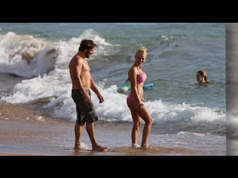 Pamela Anderson Weds Rick Salomon