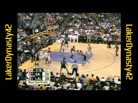 Shaquille O'Neal 2004 Playoffs: 28pts & 15rebs, Gm 3 vs. SA Spurs