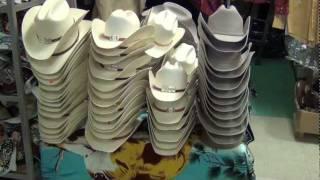Sombreros y Tejanas - El Vaquero Imports - YouTube aec52db7955