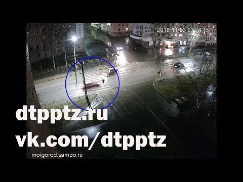На проспекте Александра Невского сбили пешехода