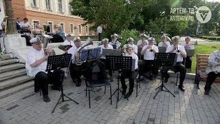 Сезон танцевальных вечеров открылся в Артёме