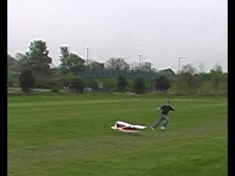 Kid Hit by RC Plane - Why you shouldn't stand in front!