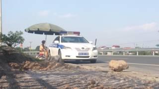 CSGT tỉnh Hà Nam đứng chốt và bị quay
