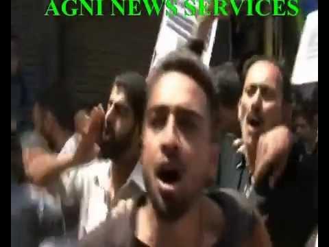 SRINAGAR .. JKLF PROTEST AGAINST ISRAEL KILLING INNOCENT PEOPLE IN GAZA.
