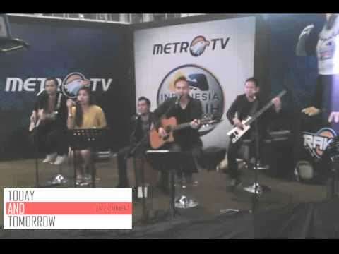 Band Akustik Jakarta (Today and Tomorrow) - We Are Young - Fun ft. Janelle monet live at Metro TV