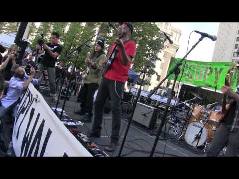 "#S17 TOM MORELLO  ""WE ARE THE 99%"" (world premiere) Occupy Wall Street @ Foley Square #OWS 9/16/12"