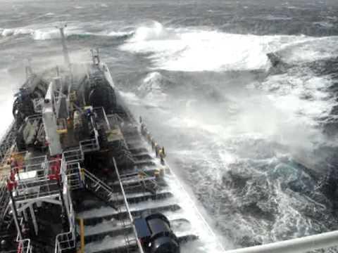 Hurricane at North Atlantic [HQ]