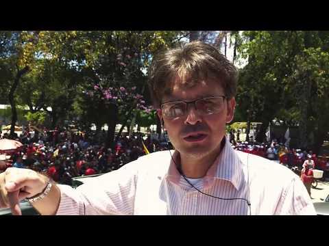 Centrais Sindicais realizam ato na praça da Democracia Derby