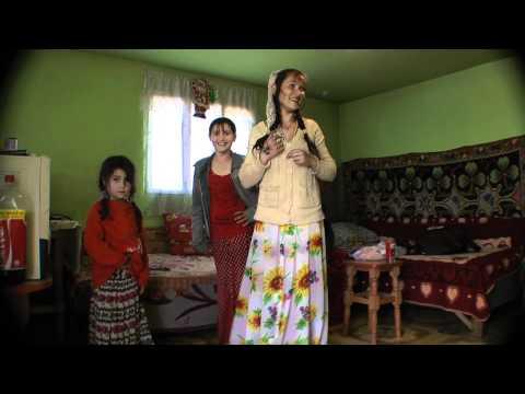 млада циганка се прави на Indian Girl