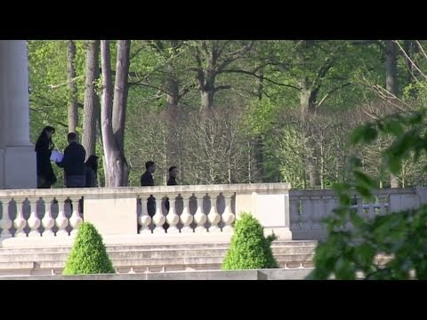 EXCLUSIVE: Kim KARDASHIAN visiting a CHATEAU for her WEDDING outside Paris