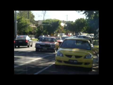 falcon XC 5.8 COBRA COUPE FORD vs HOLDEN monaro HX LE COUPE