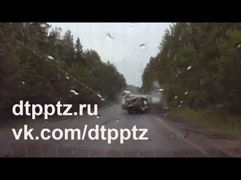 ДТП у Падозеро. Четыре человека пострадали, один погиб