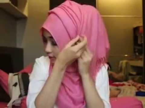 Cara Memakai Jilbab Segi Empat Ala Arab Modern