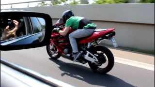 Honda CBR 600 RR Vs BMW 740i [1080p]