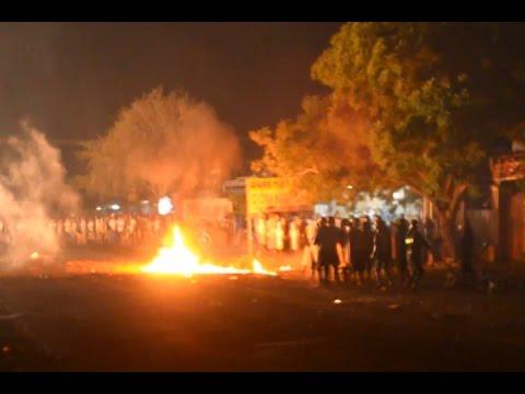 Bình Thuận: Người dân nổi lửa chặn quốc lộ, ném bom xăng chống trả CA đàn áp